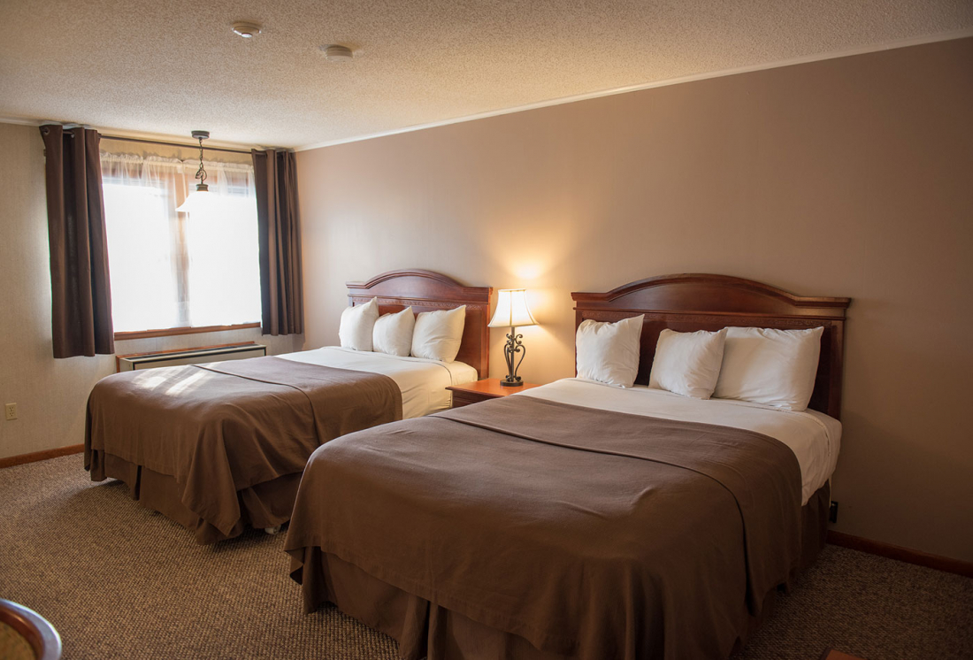 Double Queen Guest Room in Lake George at Dunham's Bay Resort