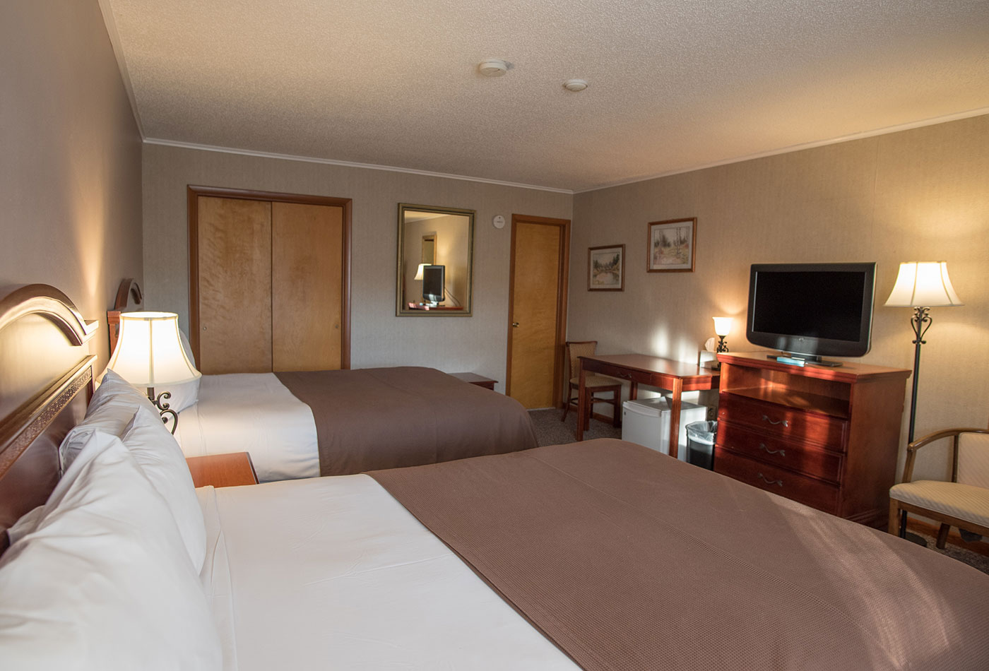 Double Queen Guest Room with Indoor Pool at Dunham's Bay Resort in Lake George